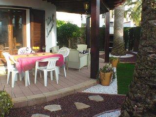Bungalo con jardin cerca de playa en Las Marinas