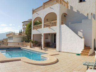 5-bed spacious villa for three families, Sanet y Negrals