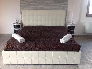 Saffron Hill suite a casa di Monja
