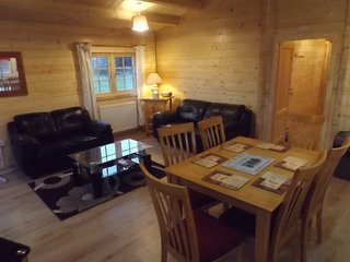 Oak Lodge at AVONVALE HOLIDAY LODGES, Offenham