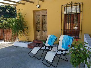 LOVELY TRADITIONAL SPANISH FINCA 2 BEDROOMS, Torrox