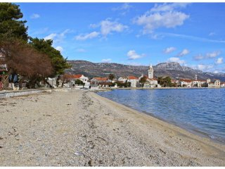 TH01655 Apartments Ana / Two bedrooms, Kastel Gomilica