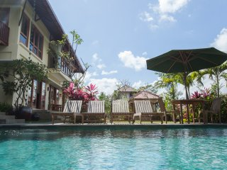 4 Bedroom Villa with Pool, Paddys view & Yoga Deck, Pejeng Kangin