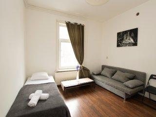 Wonderland studio apartment