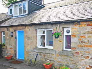 Hareshaw Linn Cottage; cosy, dog friendly country cottage with large garden