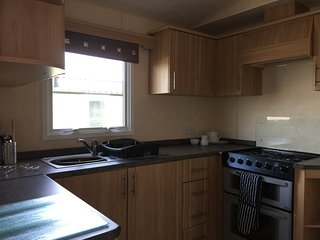 Extra wide static caravan at Mullion Parkdean Resorts (3 bedrooms & pullout)