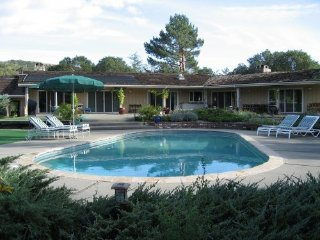 Beautiful Estate on 3.5 Acres, Pool, Putting Green, Sonoma