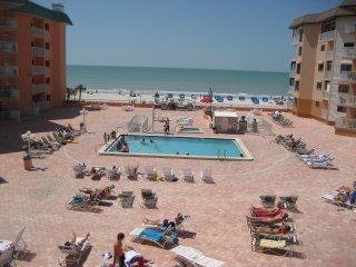 Beach Cottage Beachfront Condo – Indian Shores, FL