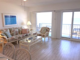 Direct Oceanfront-Private Balcony-Connected to Boardwalk-Walk Everywhere