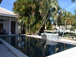 P28  4 bedroom 3 bath pool home with dockage, Key Colony Beach