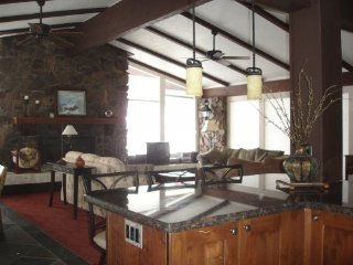 Perfect Sun Valley Location w/included Lodge Amenities & Awesome Views
