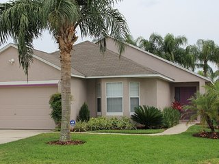 GORGEOUS 4 BED RM 3 BATH DISNEY AREA VACATION HOME