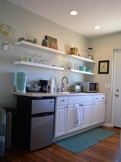 Kitchenette perfect for light snacks and beverages