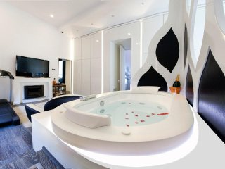 Luxury Diamond Home De Luxe, Private jacuzzi, Sorrento center