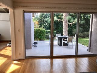 Newly Remodeled Mid Century Home Fully Furnished for July 2017 - Los Angeles