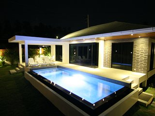 1# BRAND NEW , LUXE,PRIVATE POOL & GARDEN, DESIGN