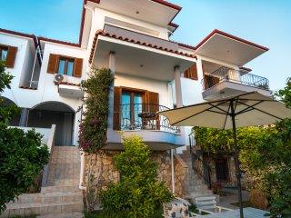 Bouganvillia Homes - Summer Purple Home