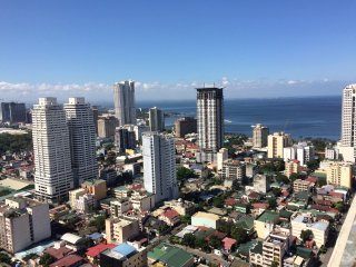2BR with Grand View 26th Fl at Victoria de Manila