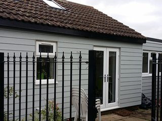 Holiday Rental 2 minutes from the sea on Essex coast.