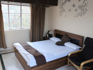 BEST ACCOMODATION AT POSH LOCATION IN HEART OF NEW DELHI........................