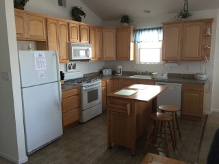 (25and older only)3 Br 2 Ba condo. Awsome location. 1 block to beach and boards.