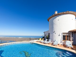 Stunning Villa with Private Pool & Sea Views. (Sleeps 6)