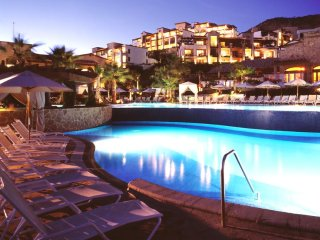 Pueblo Bonito Sunset Beach Resort - Friday, Saturday, Sunday Check Ins Only!