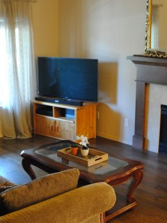Livingroom with 51' tv and Directv & WIFI