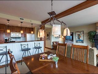 Best Location in Tremblant, Ski In/Out, Private Hot Tub / 215814
