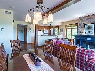 Best Location in Tremblant, Ski In/Out, Steps from Village / 215815