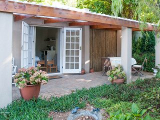 Lovely cottage in constantia