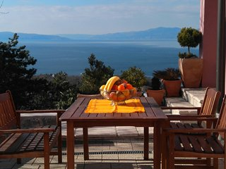 Apartman Ani, with special panoramic views and secure two parking places, Kostrena