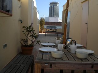 PENTHOUSE, LA RAMBLA, LIFT, A/C, TERRACE, CITY CENTER, SUNSHINE, CALM, METRO L3