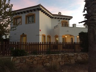 5 bedroom modern private pool villa on 4th hole of Mar manor golf resort murcia
