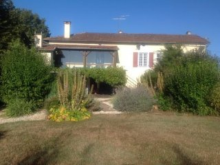 Beautiful farmhouse in stunning grounds with private pool, Tourtoirac