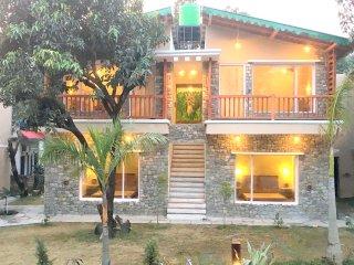 Jungle Lodge, Dhikuli