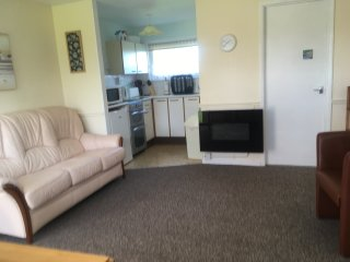 Comfortable 2 Bedroom Holiday Chalet, Florida Park, Hemsby