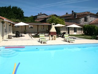 Nudist Friendly - Holiday Home - Privat Heated Pool - South-West France