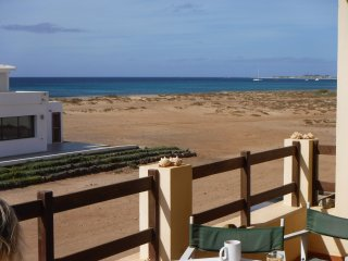 Large Spacious Apartment, Sea Views, Great Balcony