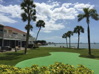 Life At The Beach Club On The Bay...., Gulfport