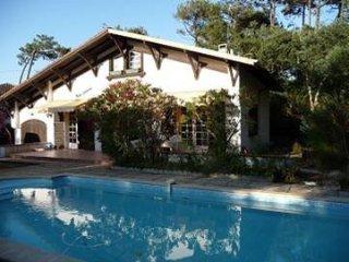 villa avec piscine entre le lac d'hossegor et la plage des estagnots
