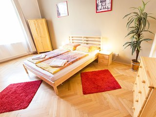 2 - BEDROOM APARTMENT, Praga