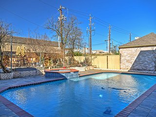 NEW! 2BR Sugar Land Apt w/Pool & Volleyball Court!