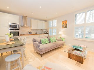 Cosy and Stylish 2 Double Bed Apartment Nr Notting Hill