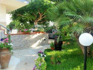 villa con giardino per sole, mare e relax sul Golfo di Castellammare