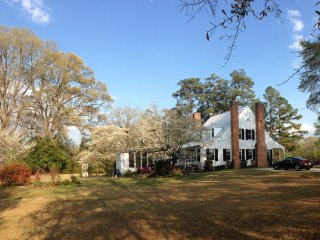 Country home in the city (fayetteville) nearest to Fort Bragg