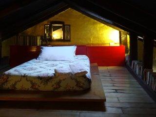 Mariangela - Artist's Lodge