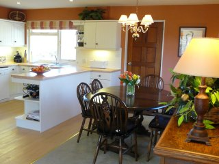 Superb kitchen with fridge/freezer, Miele dishwasher, washing machine; microwave, coffee machine etc