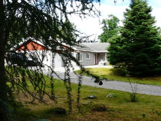 The Sangar: Exclusive Cottage in Cairngorm National Park - Scottish Highlands, Kincraig