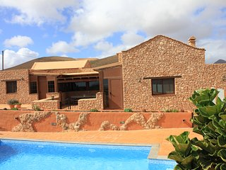 Casa Rural Los Lirios, amazing cottage in typical canarian style